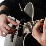 Gitarda Bir Oktavlık Gamlar ve Arpejler 1