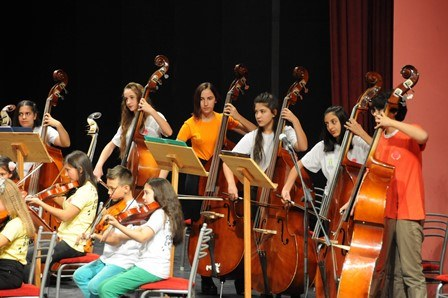 Çocuk Senfoni Orkestrası 'Cumhuriyet Konseri' ile izleyenleri büyüledi 1